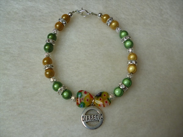 Yellow Green Silver Hearts Beaded Diabetic Charm Bracelet